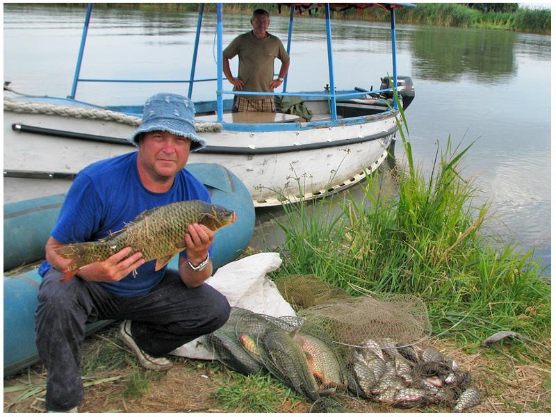Как ловят рыбу на реке днестр